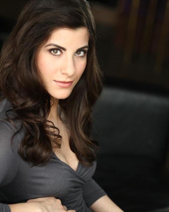 Elishia Perosa