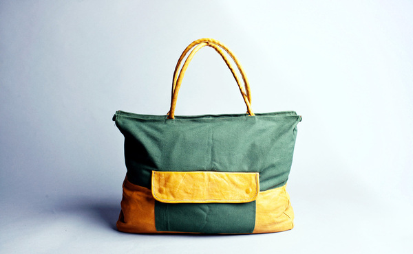Edike Tote bag