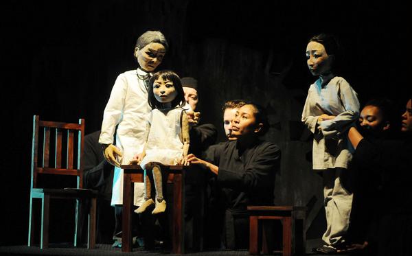 Sadako meets Dr. Hirata